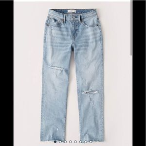 Abercrombie & Fitch Ripped Boyfriend Jeans